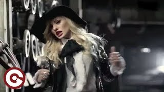 getlinkyoutube.com-ALEXANDRA STAN vs MANILLA MANIACS - All My People (Official Video)