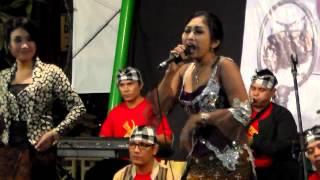 HaSoe, Eni Rosita, Riris Ariztha - Layang Swara -