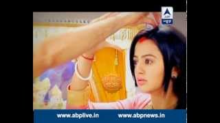 getlinkyoutube.com-Swaragini: FINALLY Swara marries Sanskar