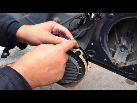 Ремонт (косы) жгута проводки водительской двери и чистка блока кнопок стеклоподъемника на Ауди А4Б6