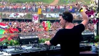 getlinkyoutube.com-Hardwell - Spaceman vs Somebody that I used to Know (Live @Tomorrowland 2012)