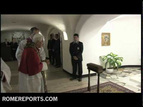 Benedict XVI visits tomb of John Paul II and other Popes