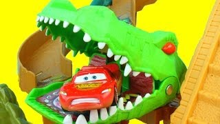 getlinkyoutube.com-Matchbox On a Mission: Croc Escape Lightning McQueen gets eaten by Croc Mater saves him Just4fun290