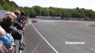getlinkyoutube.com-Bugatti Veyron vs Ferrari F40