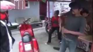 getlinkyoutube.com-Sadis Preman Gak Pakai Basabasi..... Langsung main Golok....