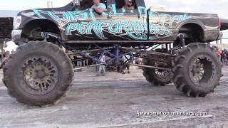 getlinkyoutube.com-Mud Truck Pull Trucks Gone Wild - Okeechobee Mud