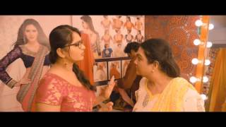 getlinkyoutube.com-Anushka Shetty Showing her Hot Body back in Inji Iduppazhagi - HQ