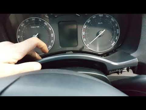 Как снять щиток приборов Skoda Octavia A5