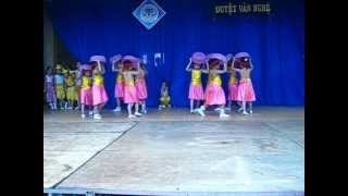 getlinkyoutube.com-múa cái bống-1A-nguyễn văn bé