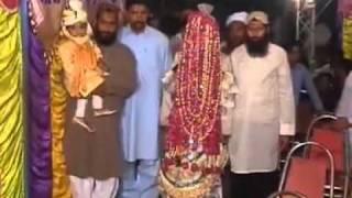 getlinkyoutube.com-Funny Accident in Pakistani Wedding .