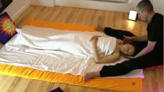 getlinkyoutube.com-Ayurvedic massage with Maha Milan(Anastassia)2