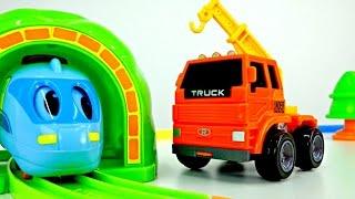 getlinkyoutube.com-Small locomotive and crane! Video toys! Cars
