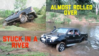 getlinkyoutube.com-Toyota hilux river crossing sri lanka