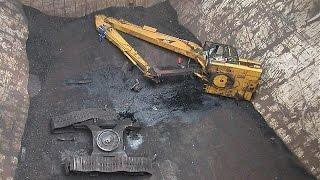 getlinkyoutube.com-CONSTRUCTION FAIL COMPILATION 2015 heavy equipment accidents best crashes disasters destroyed