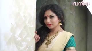 getlinkyoutube.com-Asha Sharath Vanitha Cover Shoot VIdeo