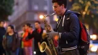 getlinkyoutube.com-Bản cover Let Her Go saxophone tenor quá đỉnh của nghệ sĩ đường phố