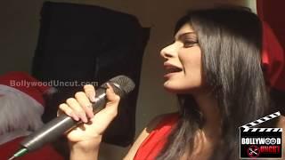 Sherlyn Chopra's Topless Video In Kamautra 3D !