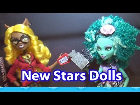 Monster High New Stars Dolls Clawdia Wolf and Honey Swamp SDCC Saturday Reveal