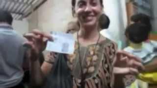 getlinkyoutube.com-Beautiful Foreign women bald in India
