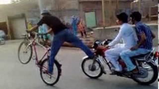 getlinkyoutube.com-Cycle Wheeling