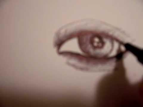 كيف ترسم عين انثى ?