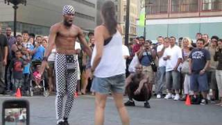 getlinkyoutube.com-Union Square Park - Crazy Street Performers