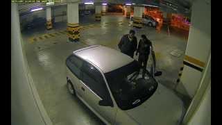 getlinkyoutube.com-Hecho inexpicable en instalaciones de la Policía Nacional, captado por cámara de seguridad.