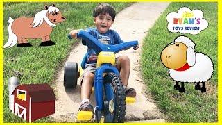 getlinkyoutube.com-Kids Family Fun Trip to the Farm Animals Giant Slide Inflatable Bounce Children Activities Kids Toys