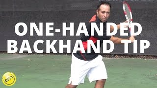 getlinkyoutube.com-One-Handed Backhand Tip: Role Of The Non-Dominant Hand in Tennis