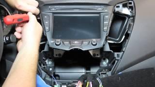 getlinkyoutube.com-Hyundai Veloster Radio Removal