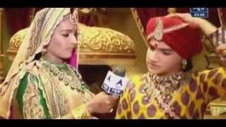 getlinkyoutube.com-Pratap&Jaiwanta Bai confused what to gift Ajabde as shagun - SBS