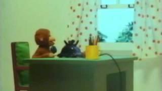 "getlinkyoutube.com-""Fire Truck Scene"" (Japanese Version) Curious George"