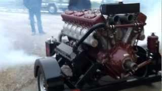 getlinkyoutube.com-Russian V-12 Diesel Tank Engine Part 1