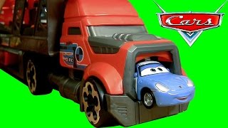 getlinkyoutube.com-Cars Hot Wheels Blastin Rig Launcher Disney Pixar Cars Tomica Takara Tomy ラジエタースプリングストミカ ディズニー カーズ