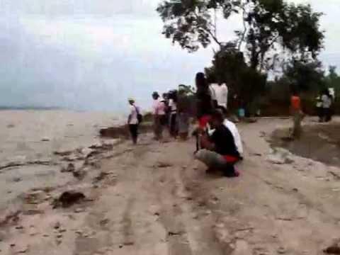 video ombak bono sungai kampar (setelah lewat di Tanjung Pebayang)
