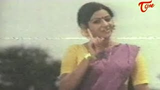 getlinkyoutube.com-Actress Sridevi's Hot Video from her First Movie