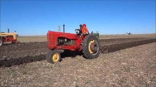 getlinkyoutube.com-An Old-Fashioned Plow Day with Antique Tractors