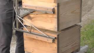 getlinkyoutube.com-Warré hive lift