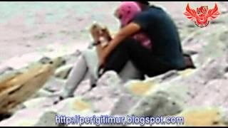 getlinkyoutube.com-Dua Gadis Bertudung DiPeluk Erat Di Pantai Cahaya Bulan Negeri Serambi Mekah