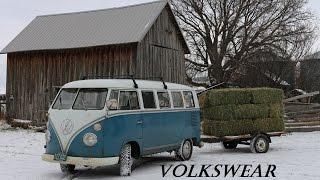getlinkyoutube.com-Hauling Hay with our Split Window Volkswagen Bus.
