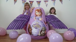 getlinkyoutube.com-Disney Junior Videos SOFIA THE FIRST Super Giant Surprise Egg WORLD'S BIGGEST Play Doh KINDER EGG