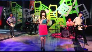 getlinkyoutube.com-Carly Rae Jepsen - Call Me Maybe (Live on The View 04-09-2012) [HD]