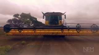 getlinkyoutube.com-REVIEW: New Holland CR10.90 combine harvester