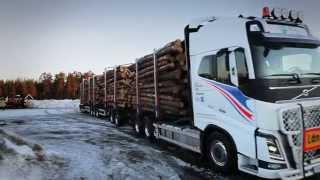 getlinkyoutube.com-Prototipo Volvo para transporte de madera de 90 Ton.