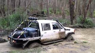 getlinkyoutube.com-Hilux at wombat