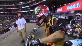 getlinkyoutube.com-Acidentes Incriveis de Motocross Freestyle