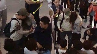getlinkyoutube.com-少女時代ジェシカ 空港で負傷
