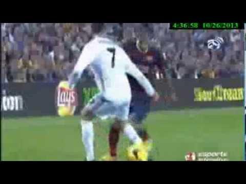 Cristiano Ronaldo Toma Caneta Humilhante de DANIEL ALVES Barcelona 2 Vs1 Real Madrid 26 /10 /13