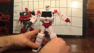 getlinkyoutube.com-Transformers review Masterpiece, TFC, Voodoo, Igear Ironhide/Ratchet War