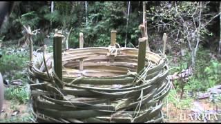 getlinkyoutube.com-Trançado Indígena e Armadilhas para peixes
